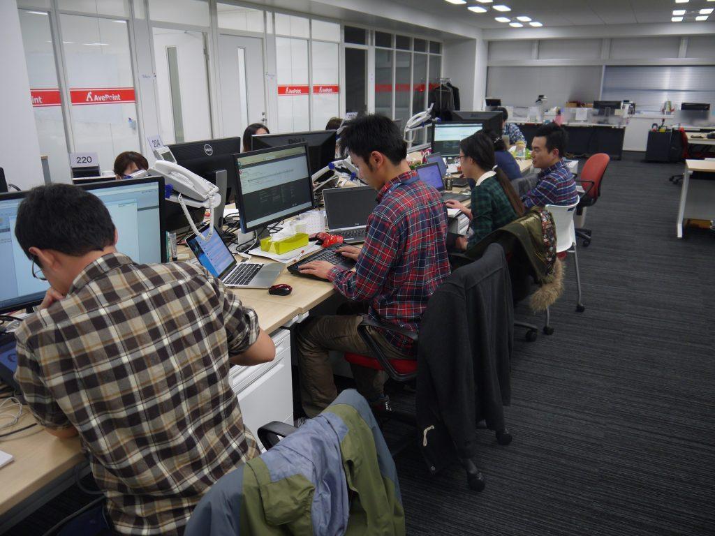 普段のオフィスは比較的静か。各自黙々と仕事しています。
