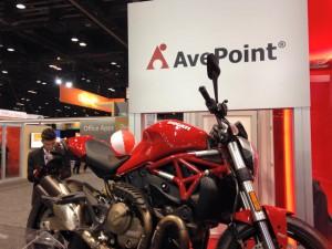 Microsoft Ignite で AvePoint が用意した豪華な懸賞品は高級バイク Ducati Monster 821